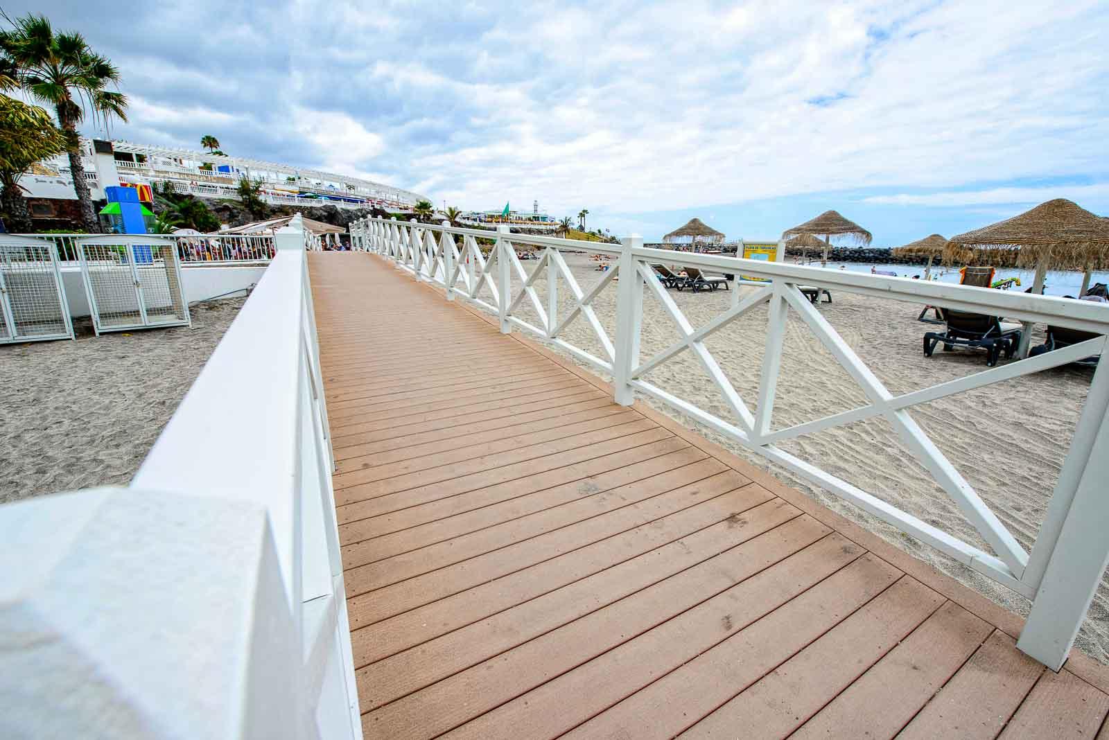 Tarimas Playa de Torviscas copyright imagenia image consultant-30